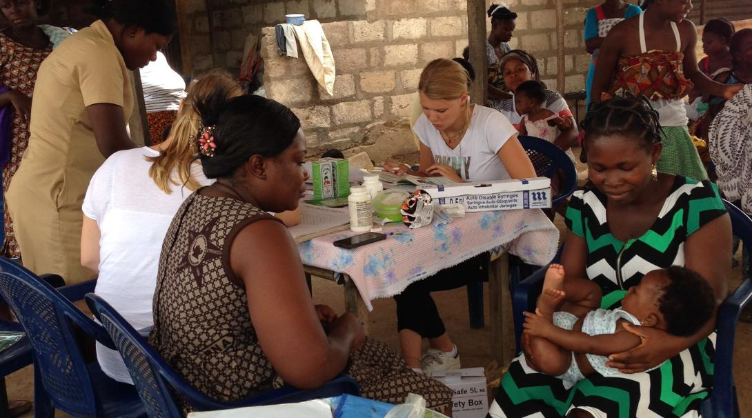 Medicine and midwifery volunteers doing an internship in Ghana take part in a medical outreach organized by Projects Abroad.